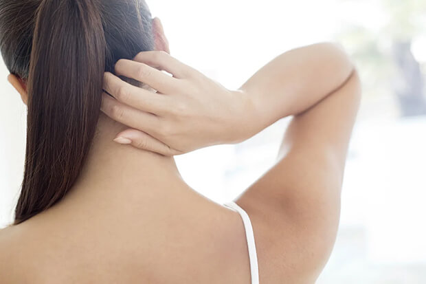 How to stop itchy scalp at night - Article Image