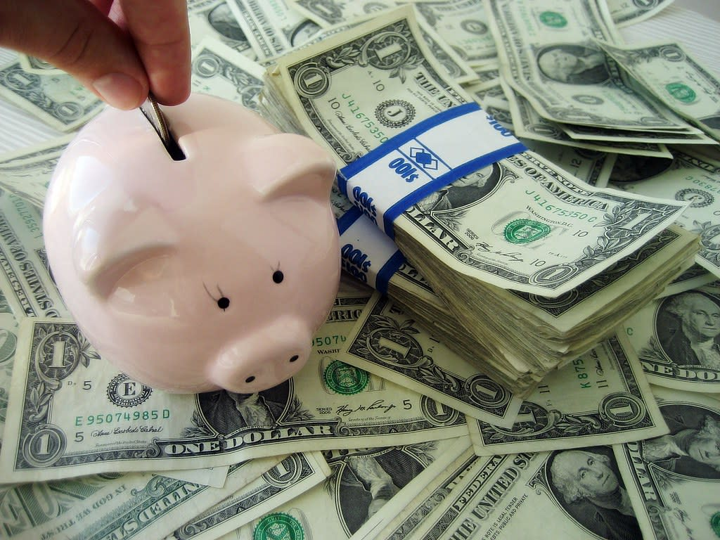 Blog - Image - piggy bank saving money