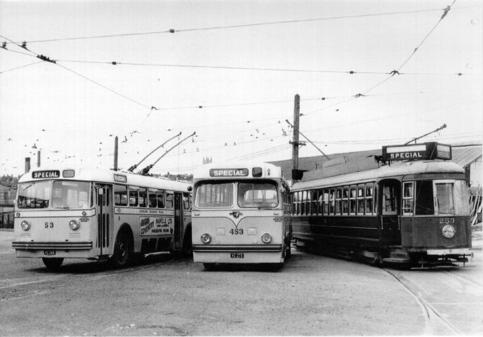 Graham Stewart captures three modes of Auckland's transport at the Gaunt Street depot in 1952 – including Tram #253 (Photographer Graham Stewart).