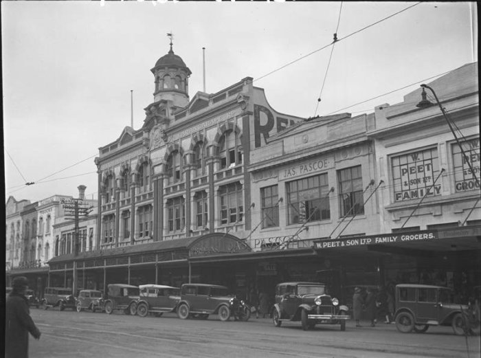Pascoes, Karangahape Road., Unknown, photographer, 1930s, PH-NEG-18479, Auckland Museum.