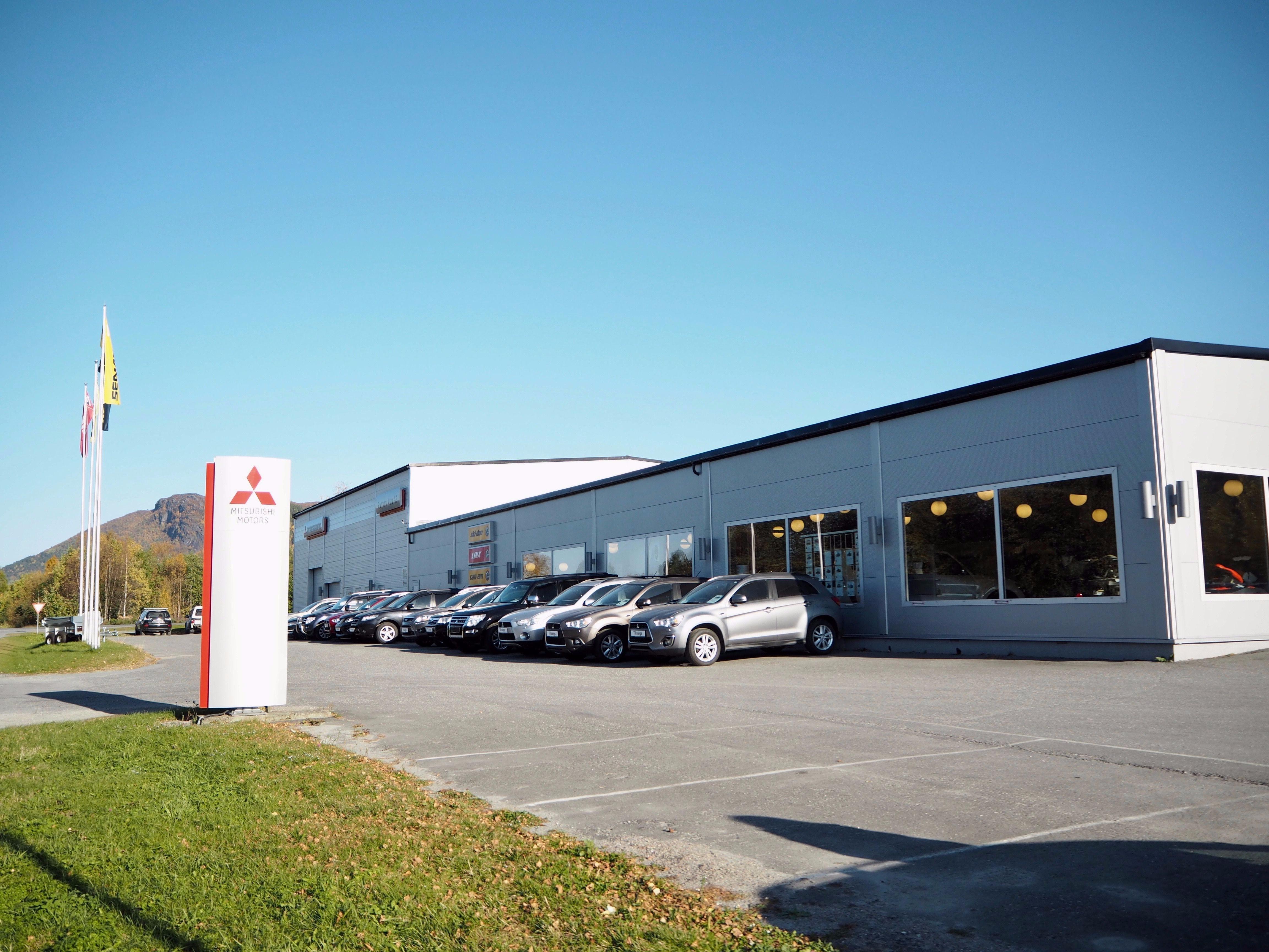 56432468 Rognan Auto AS forhandler Mitsubishi samt BRP merkene Lynx, Ski-Doo og  Can-Am. I vårt anlegg har 22 medarbeidere sitt arbeide – fra salg til  lakkering.