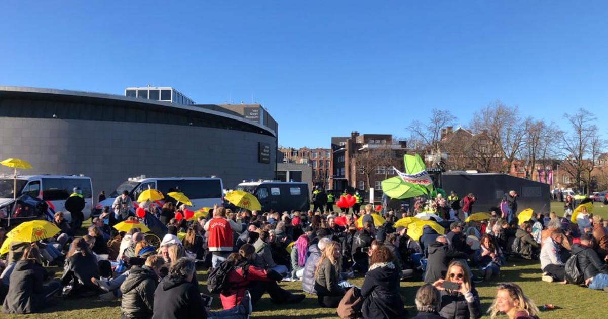 Amsterdam, 28 maart 2021: Veteranen en waterkanonnen
