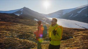 Midnight-sun Summer Hiking Svalbard Travel Outdoors Friends Arctic-scenery Agurtxane-Concellon Landscape-1920x1080