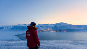 Light-winter_Snowcat_Panorama-Longyearbyen_Viewpoint_Agurtxane-Concellon