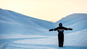 Snowmobile_East-coast_Agurtxane_Concellon_Glacier-with-people