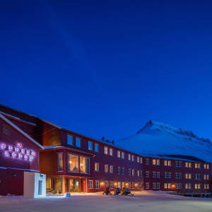 01 Funken Lodge Accommodation hotel Longyearbyen Agurtxane Concellon thumbnail
