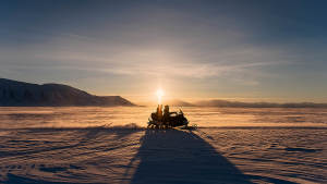 Barentsburg_snowmobile_Agurxtane_Concellon_nature_sunset