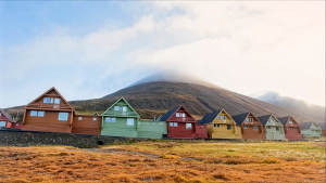 Longyearbyen_Svalbard_Settlement_Vacation_Travel_Explore_Architecture_Arctic_Agurtxane-Concellon