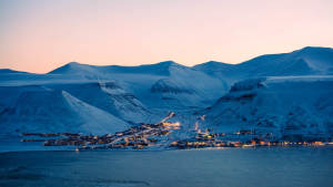 Light-winter_Snowcat_Sunset_Panoramic-view_Agurtxane-Concellon