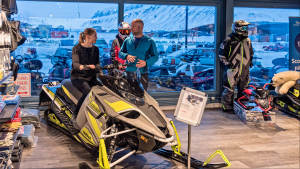 IGP Equipment-and-gear Snowmobile Shop Servicecenter Svalbard Agurtxane-Concellon Landscape-1920x1080