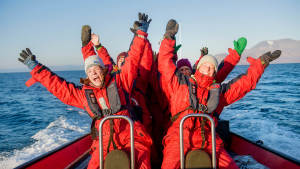 ISFJOR~2Isfjord-safari-bird-cliffs Boattrip Arctic-wildlife Agurtxane-Concellon_rib_happy_people