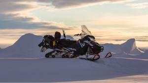 Elsnowmobile snow ice snowmobile svalbard view scenery mountains 1920x1920