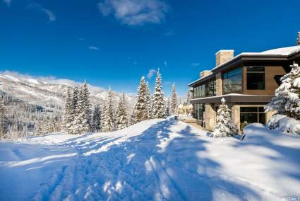 mountain home next to skiing