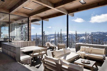 two living spaces overlooking mountain