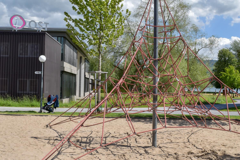 Spielplatz Fachhochschule OST (4)
