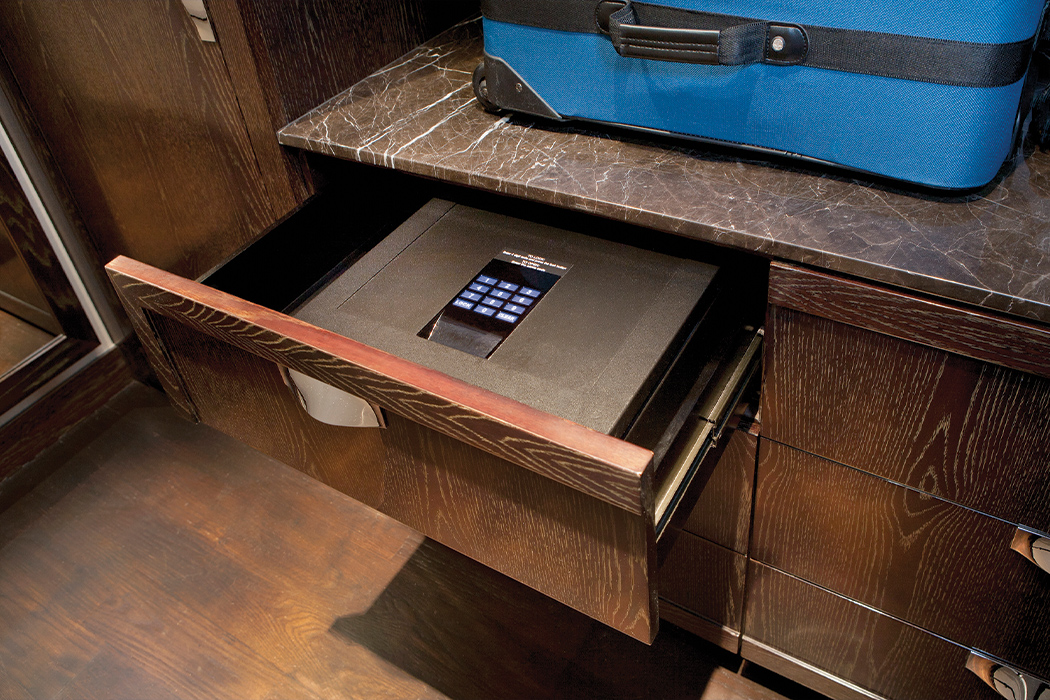 1 35 the-best-and-worst-items-to-store-in-a-home-safe Desktop