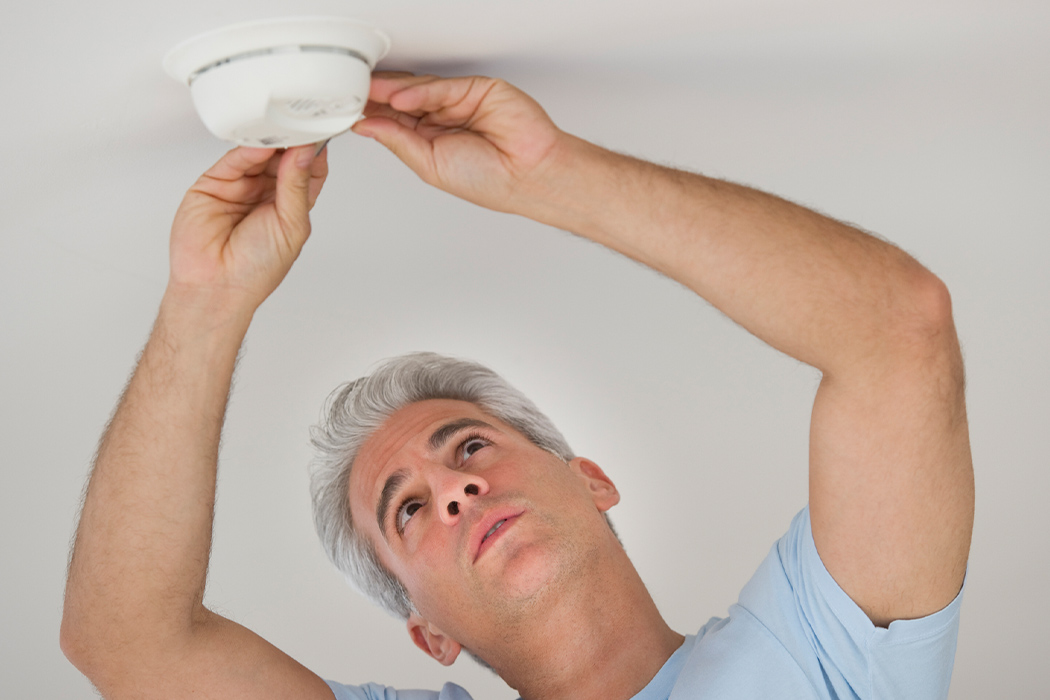 2 83 Smoke-Detector-vs.-CO-Detector-Pros-and-Cons Desktop