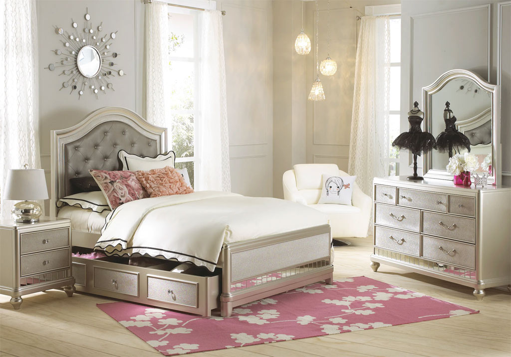 Sofia Vergara Paris Bedroom Set in Champaign, Beige, and White
