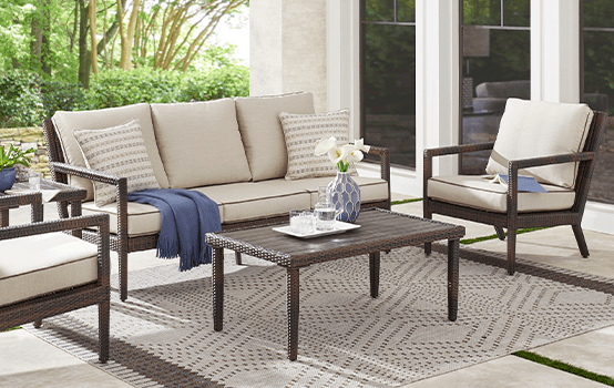 Outdoor Collections : Summerset Way - Seating banner section