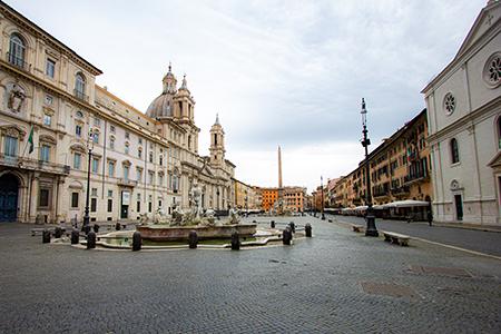 Strade di Roma deserte a causa della pandemia