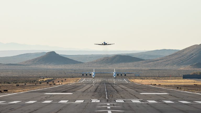 Stratolaunch-FF-9464-1-768x432