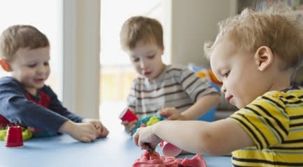 Socialização infantil: seu bebê interagindo