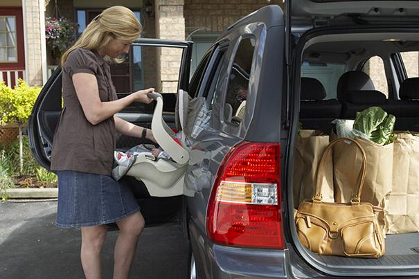 Segurança no carro para os bebês