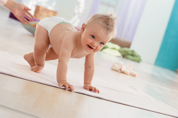 Bebê engatinhando: dicas de segurança
