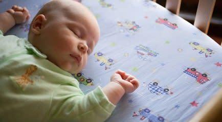 Uma noite segura de sono para seu bebê