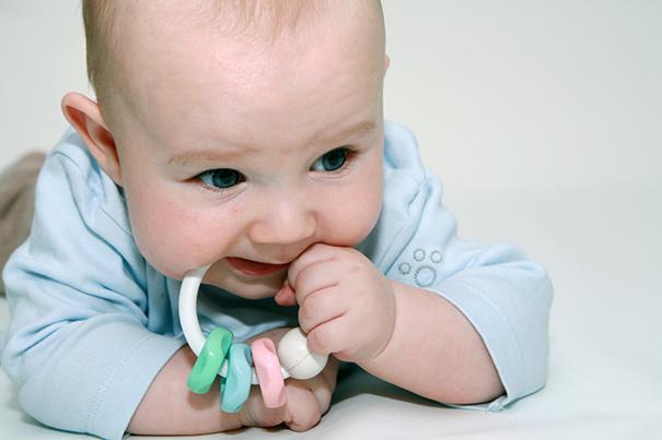 Como estimular um bebê de 4 meses