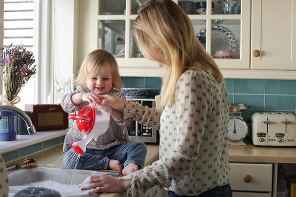 Tarefas de casa com crianças pequenas