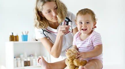 Consulta de rotina do bebê de 18 meses