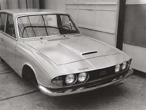 Later in X772's existence it acquired one of these 2600 body shell in Triumph styling studio
