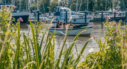 intro-summer-boat-europarcs-de-biesbosch
