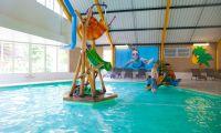 swimming-pool-inside-europarcs-beekbergen