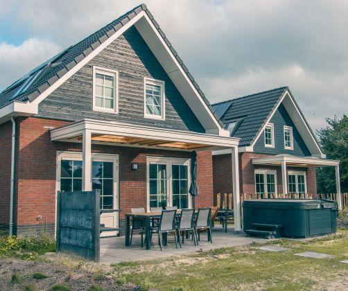 intro-house-accomodation-terrace-europarcs-ijsselmeer