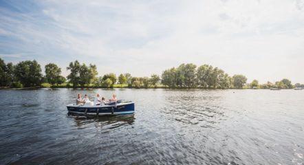 intro-boat-rental-surroundings-europarcs-aan-de-maas