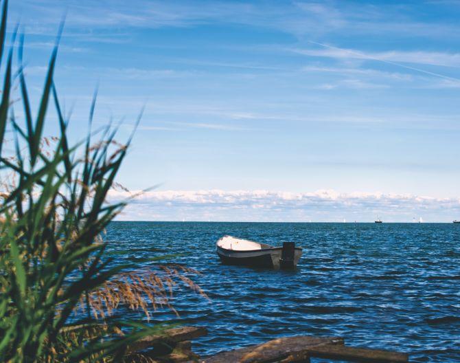 Marken lake boat