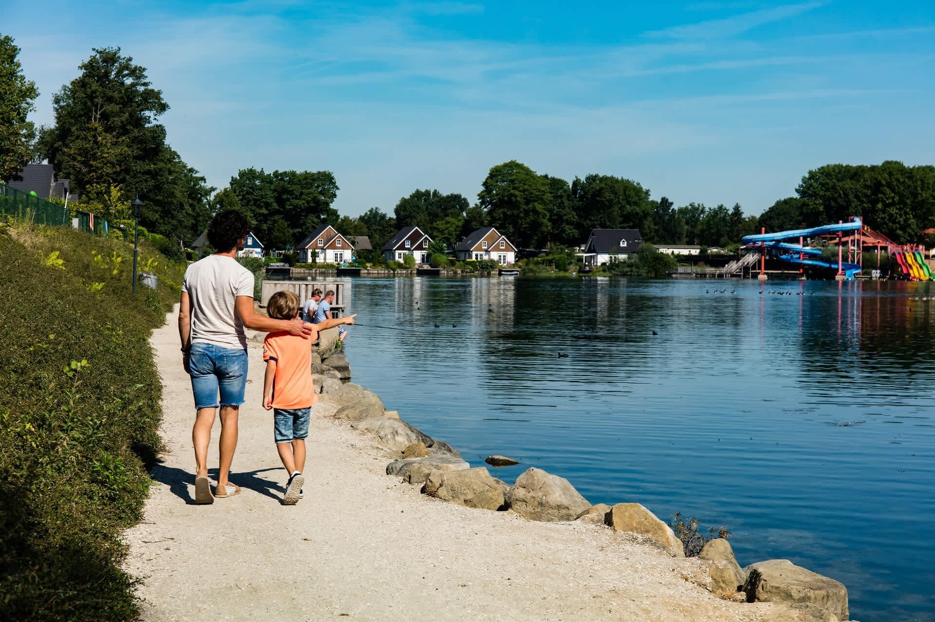 Header-swimmingpond-slides-EuroParcs-Limburg