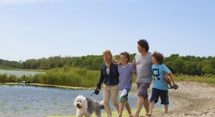 intro-family-dog-europarcs-molengroet