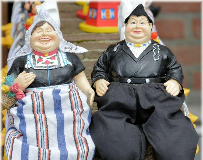 volendam traditional costume