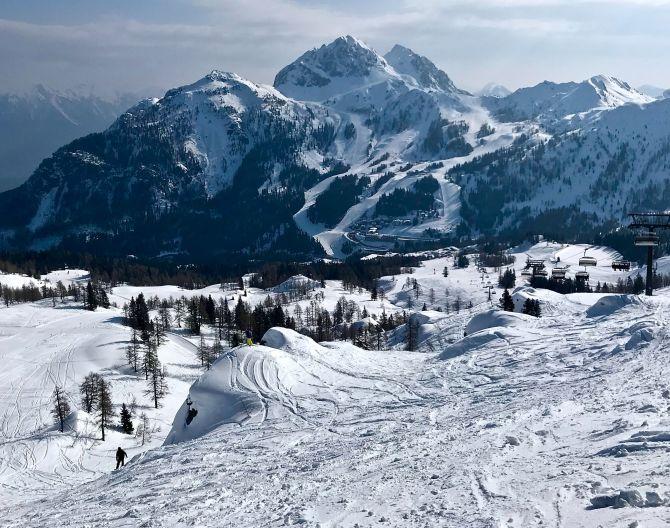 surroundings-snow-mountains-europarcs-pressegger-see