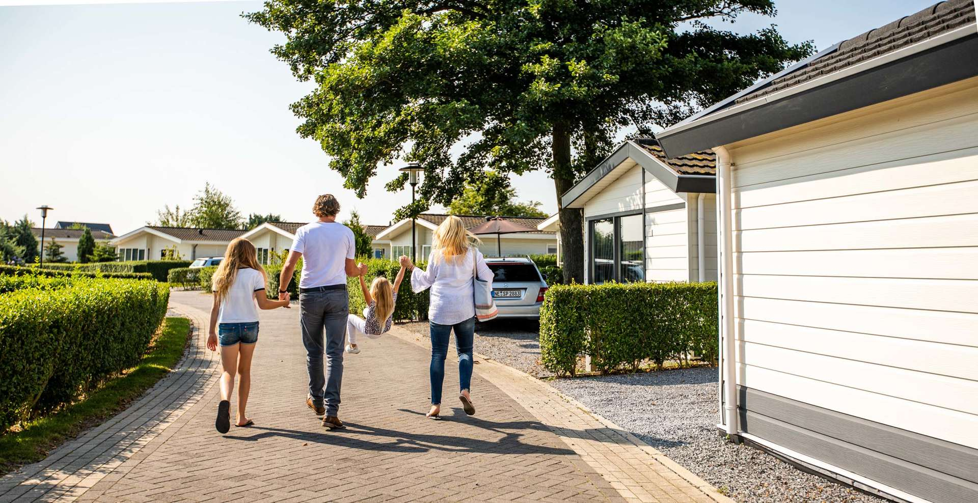 header-family-walking-europarcs-parc-du-soleil