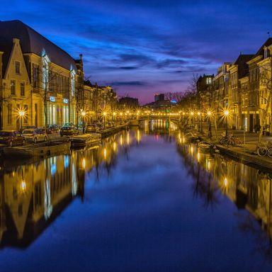 leiden canal netherlands