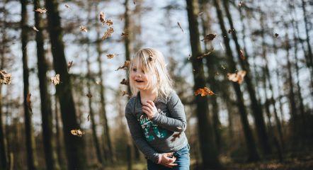 intro-forest-girl-europarcs-beekbergen