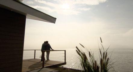 couple-on-terrace-water-europarcs-markermeer