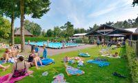 facilities-outdoor-swimmingpool-europarcs-de-wije-werelt