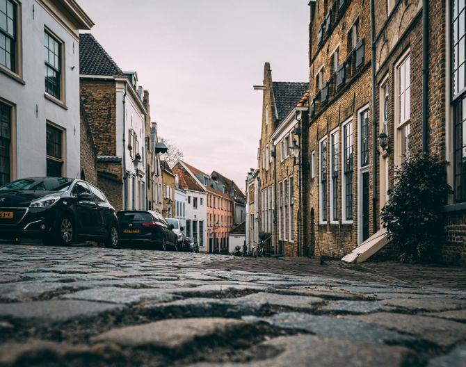 deventer-street-unsplash