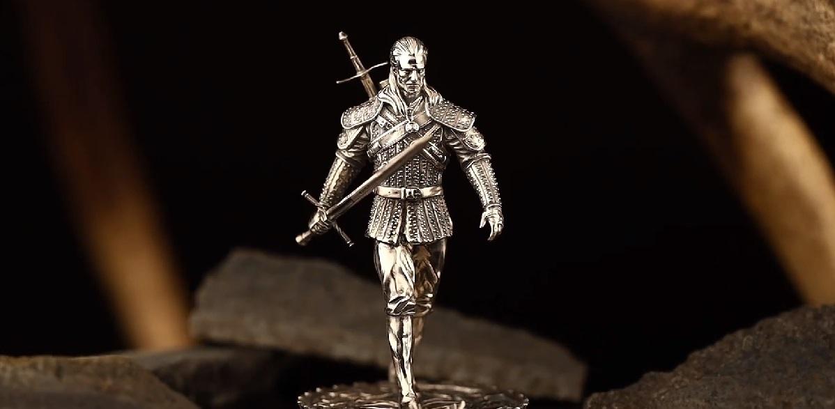 Srebrna figurka Geralta z Rivii