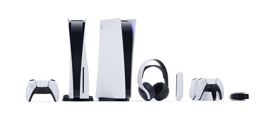 Prezentacja konsoli Sony PlayStation 5 wraz z peryferiami.